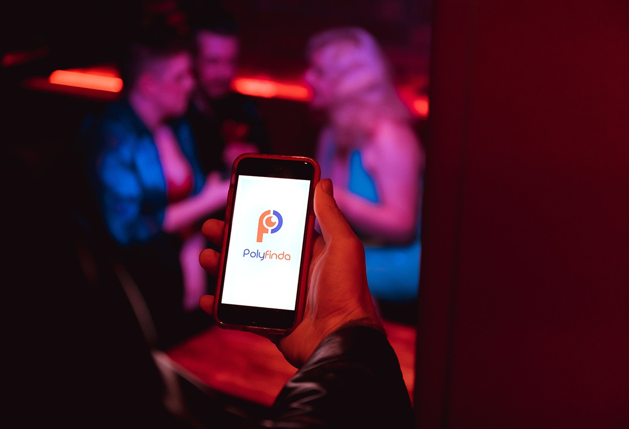 PolyFinda dating and events